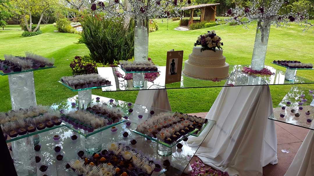 set de pasteles de boda en quito