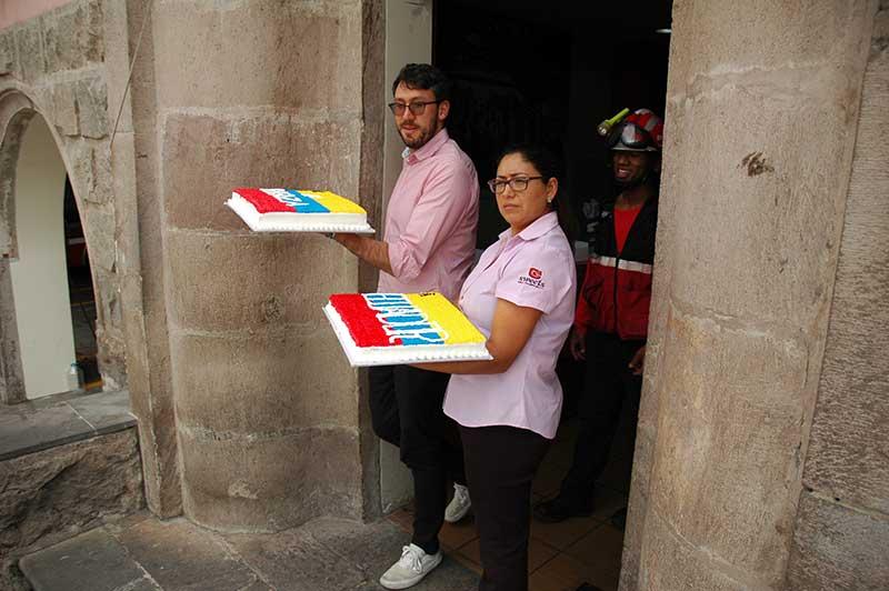 Sweets-Bomberos-Quito-03